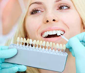 The porcelain veneers process - Enhance the smile with porcelain veneers from Burlington dentist